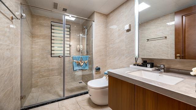 3 Telltale Signs When DIY Shower Repairs Won't Do